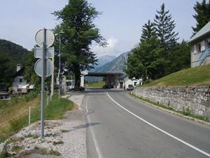 Mednarodni cestni prelaz Predel