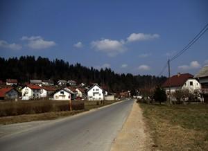 Glavna cesta v Bevkah