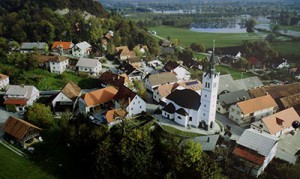 Pogled na naselje Bevke