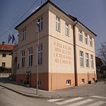 travel-slovenia-bevke-sola-view